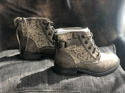steve madden beige with lace boots for girls size 2