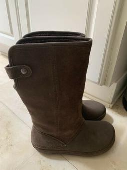 Crocs Berryessa Faux Fur Suede Tall Brown Boots Pull On Wome