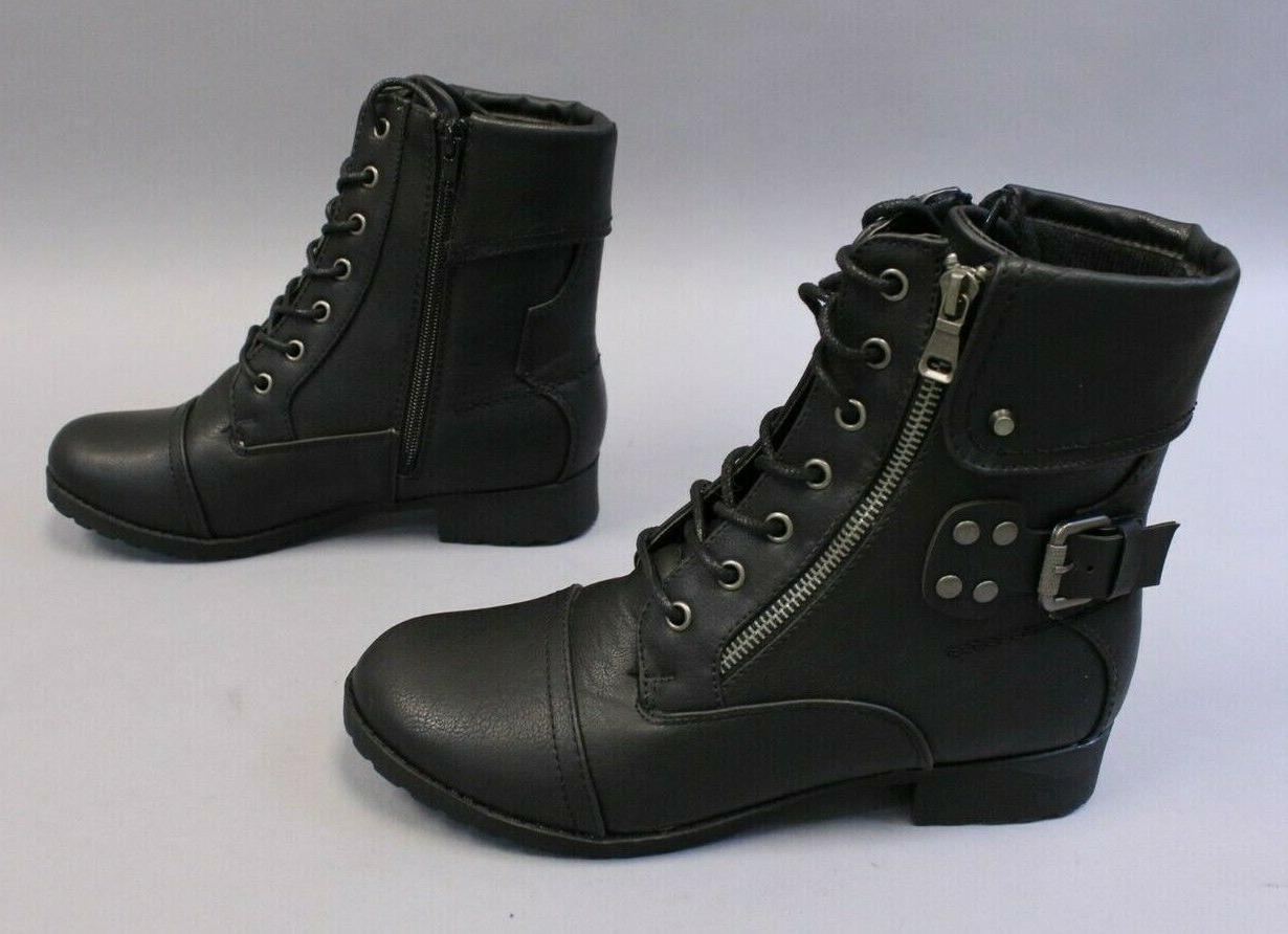 In Boots Black Size US:7.5 UK:5.5