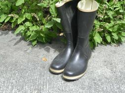 Mens Sperry Top Sider rubber boots size 11.