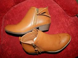 New Rampage Ankle Boots Tarragon Size 7 Zip On for Women